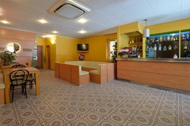Hotel Guya Reception 24h